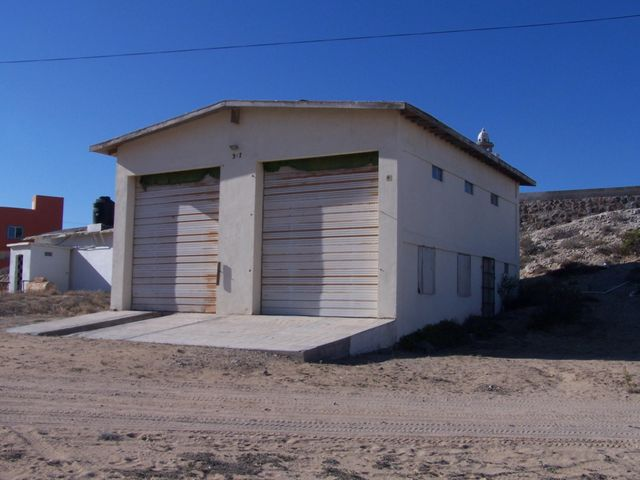 COMES WITH 1,450 SF SOLID FOUNDATION ABOVE