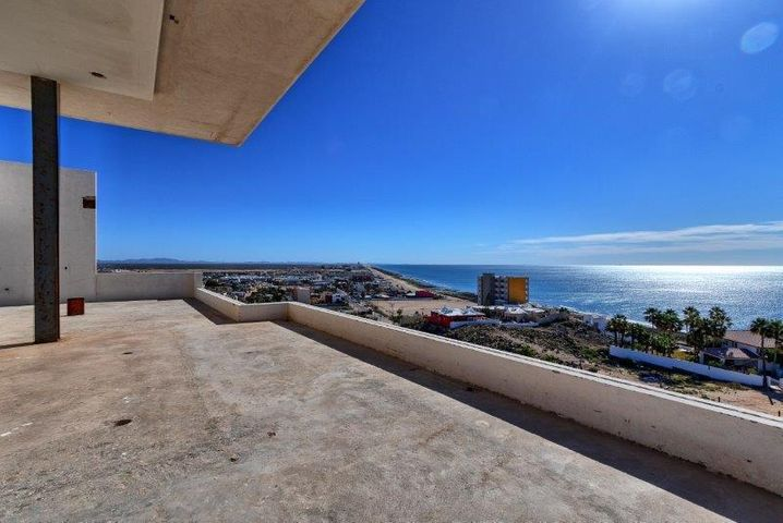 Views from Main living level, living room and kitchen. #puertopenascohomes #rockypointhomes #playa #mar #whalehill #luxury #homes #waterfront #views #ocean