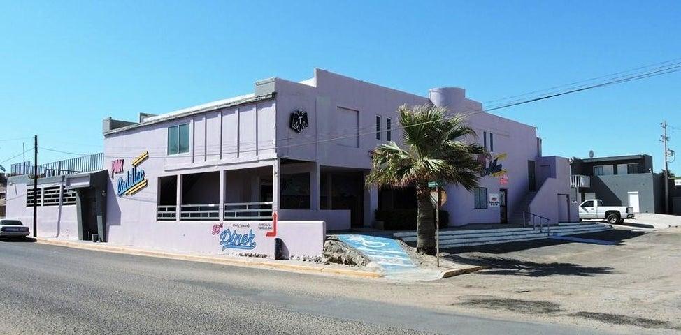 28123 M47  L5 Matamoros  Mirador, PINK CADILLAC Puerto  - Commercial