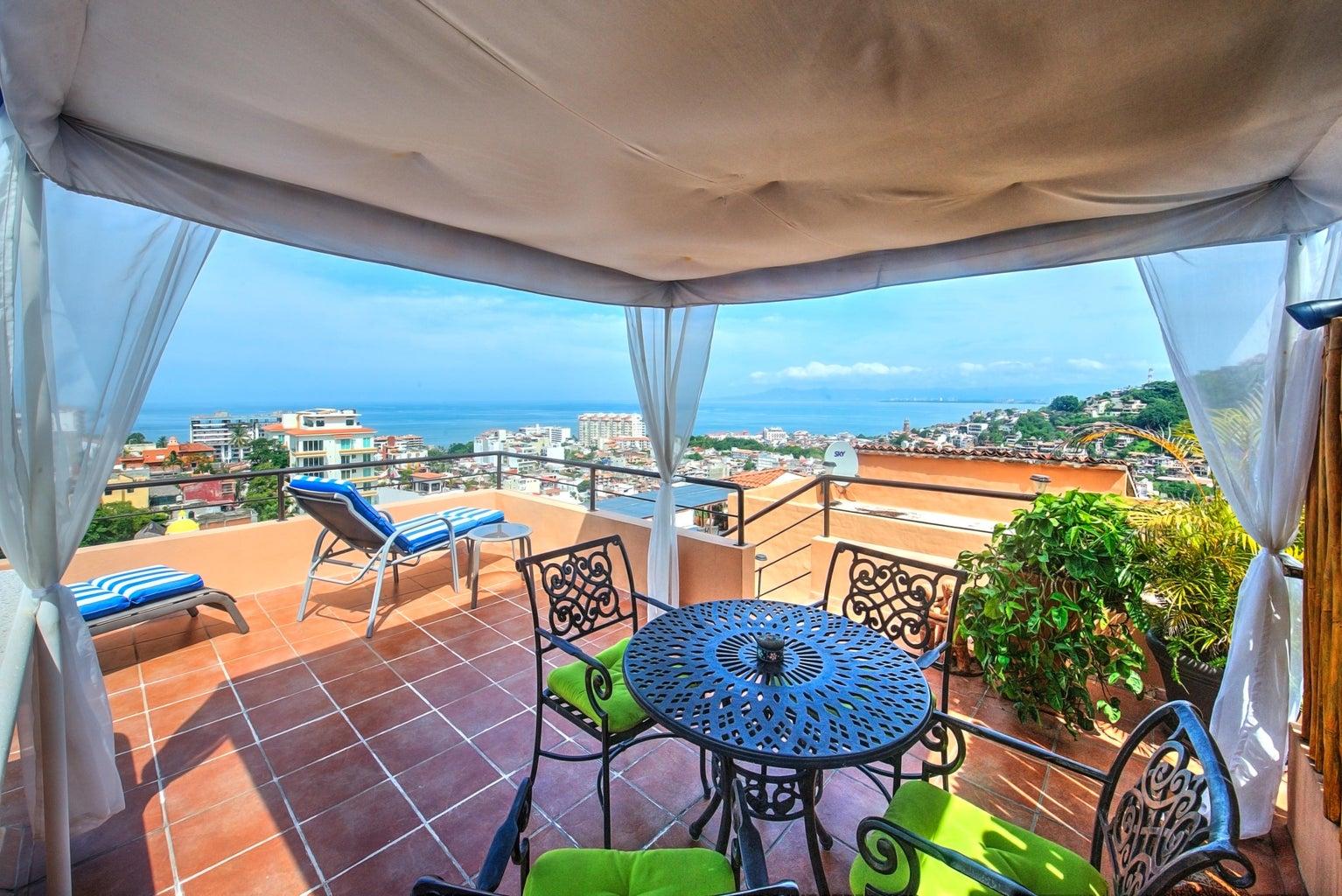 Rooftop terrace / pool
