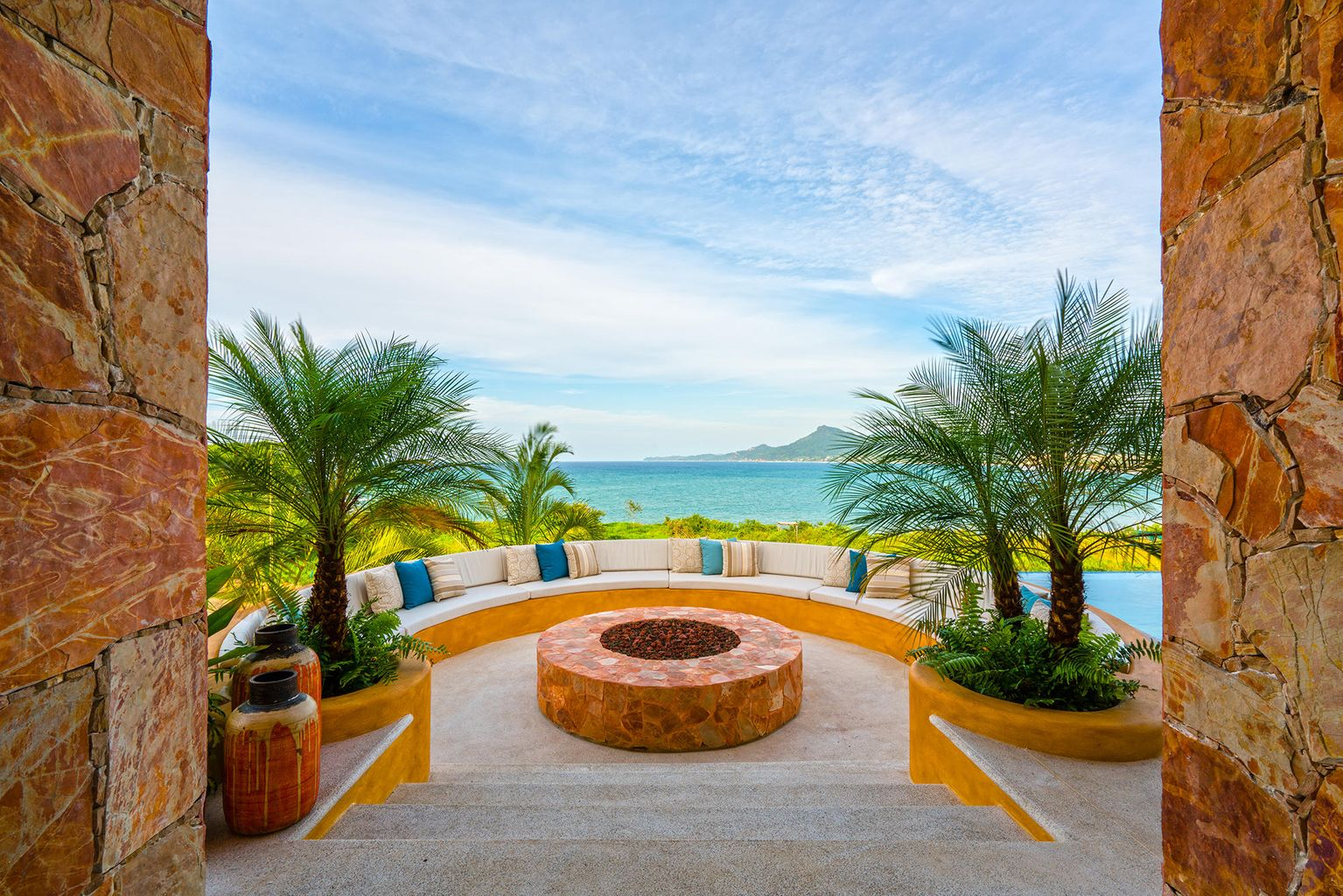 FIRE PIT OVERLOOKING THE OCEAN