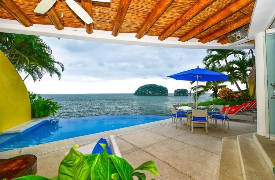 4 bedroom waterfront villa