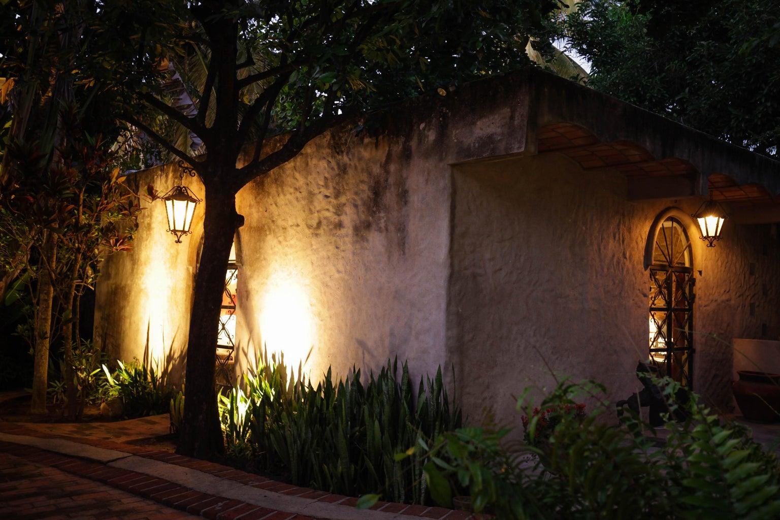 Sound studio / 2 bedroom exterior