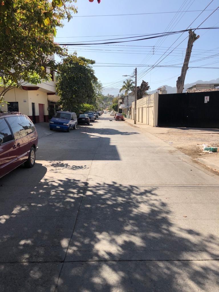 Acceso concreto hidráulico por calle Alameda