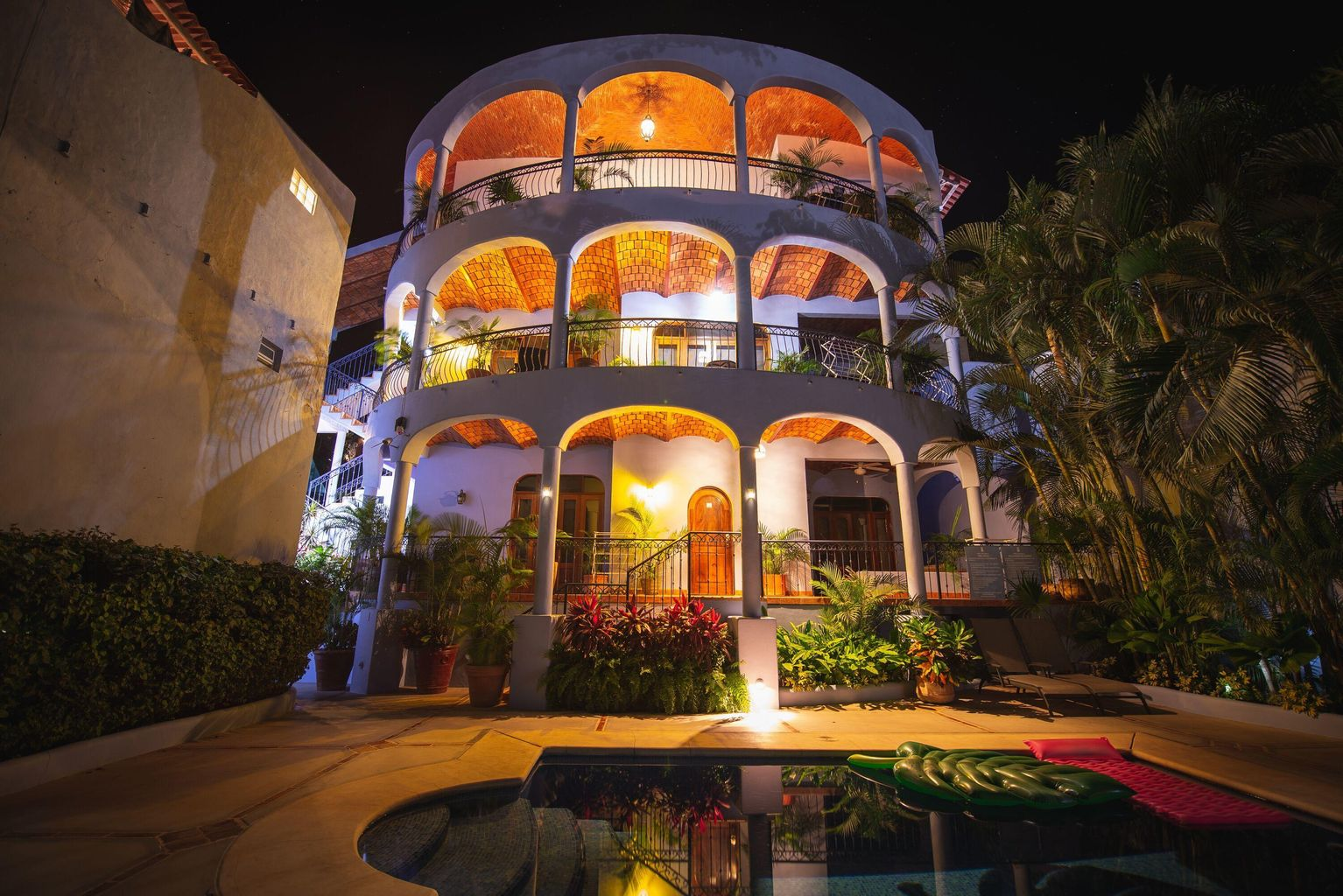 Villa Moro Night