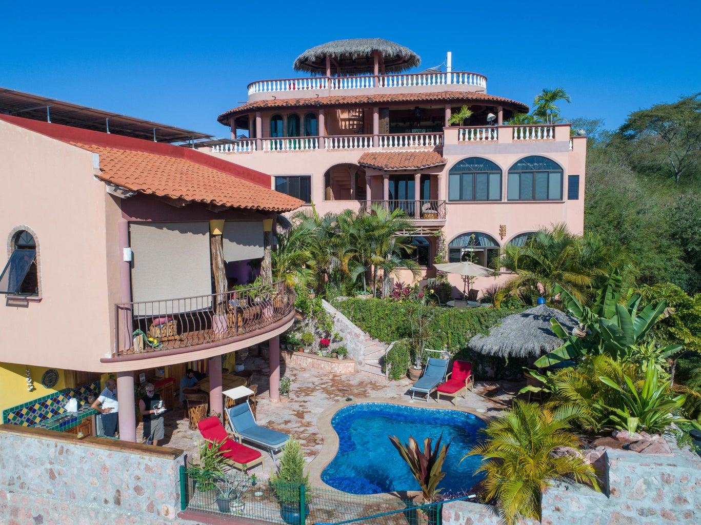 Villa Vista Royal La Cruz