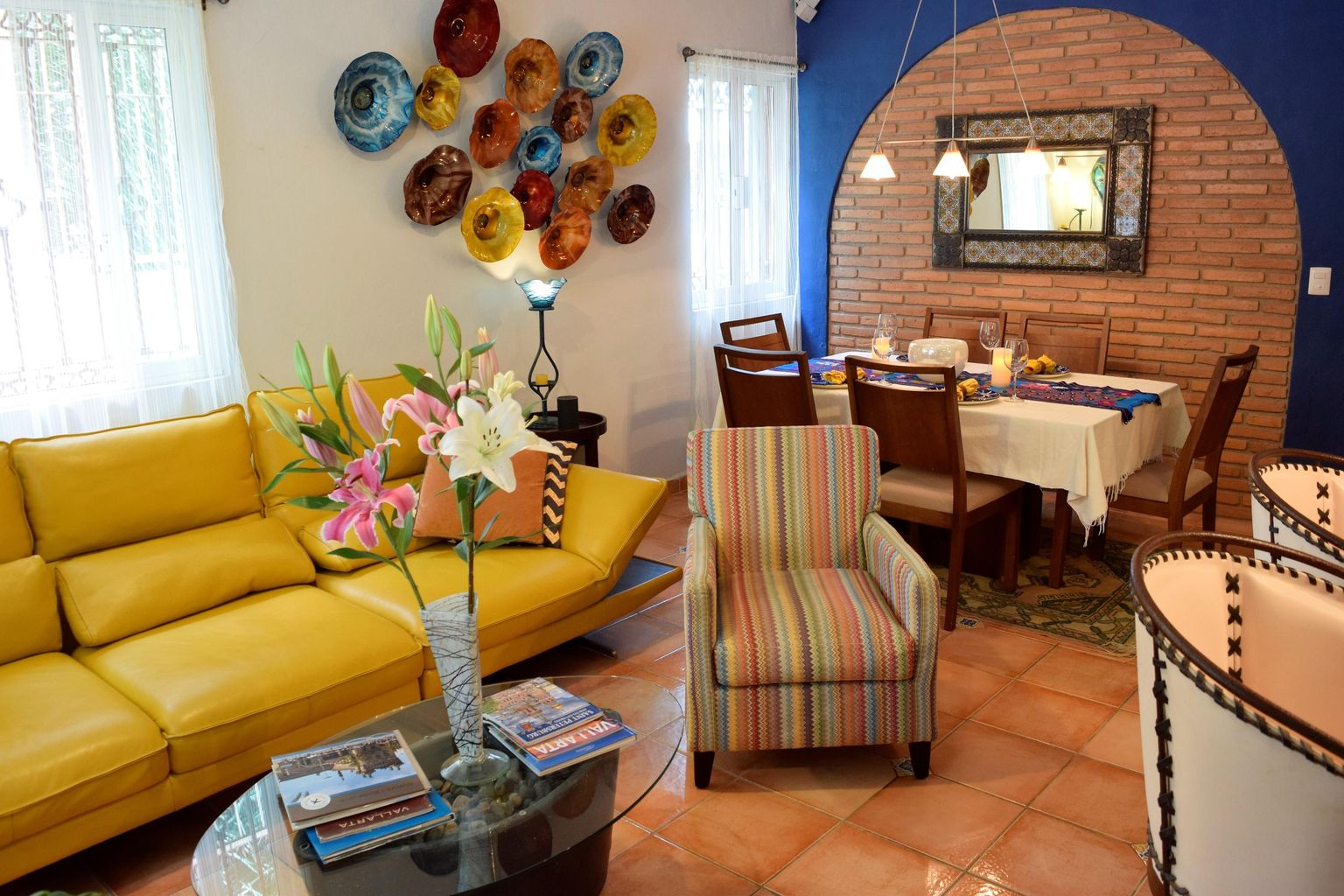 Living Room & Dining Area (3)
