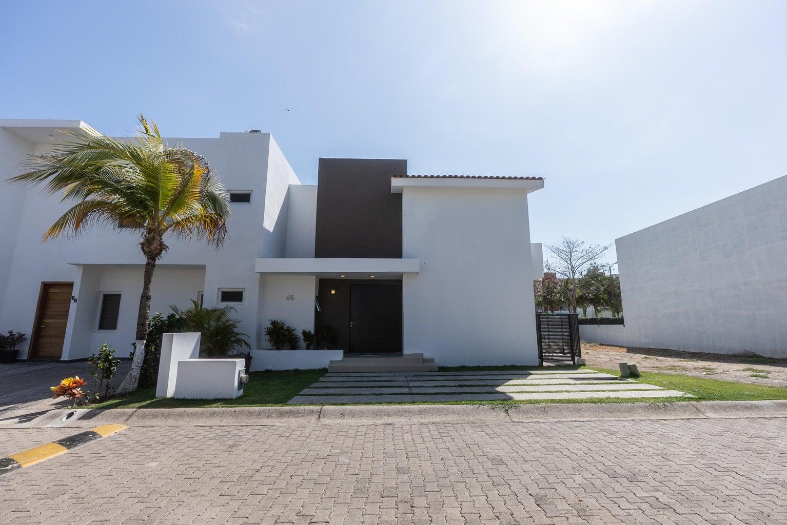 Coto Flamingos Casa 65-58
