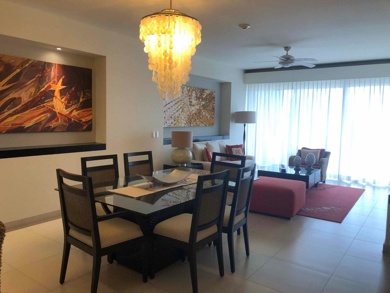 Marival 302 dining room