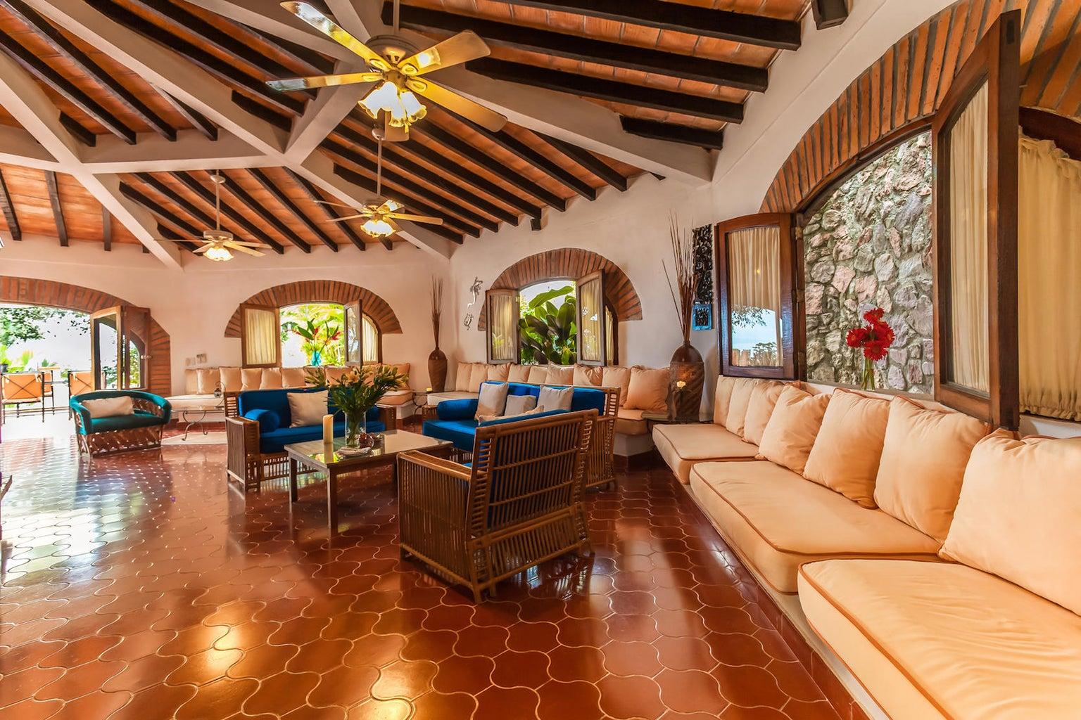 Villa Cielo | House fo...