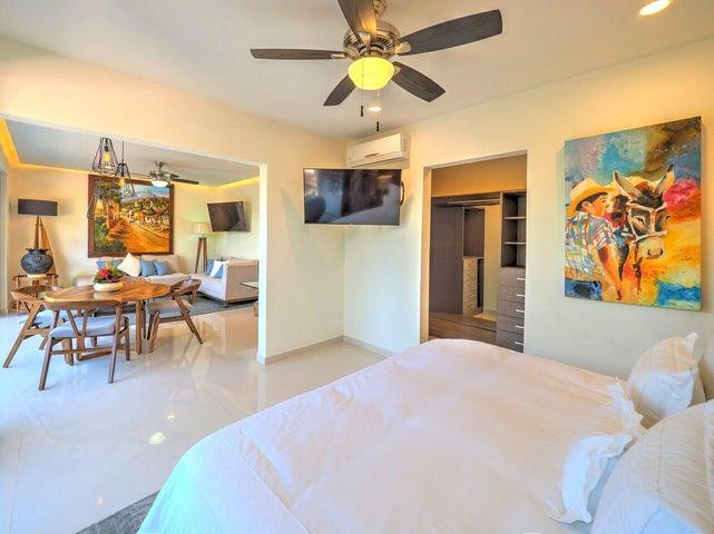 180 Basilio Badillo 105, NAYRI Life & Spa, Puerto Vallarta, JA