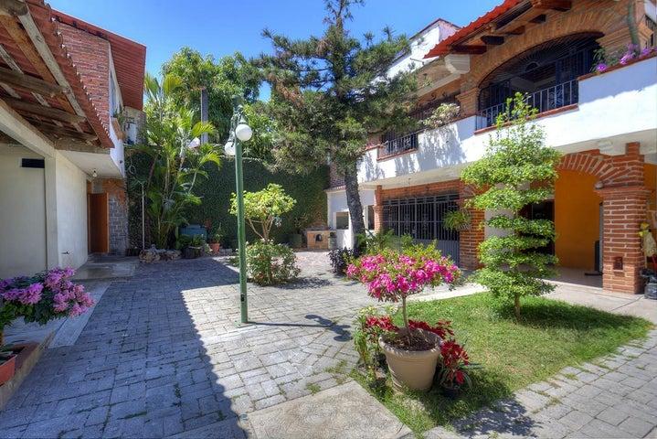 1371 Belice, Casa Belice, Puerto Vallarta, JA