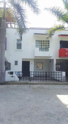 104 Santa Ana, Casa en Residencial El Carmen, Puerto Vallarta, JA