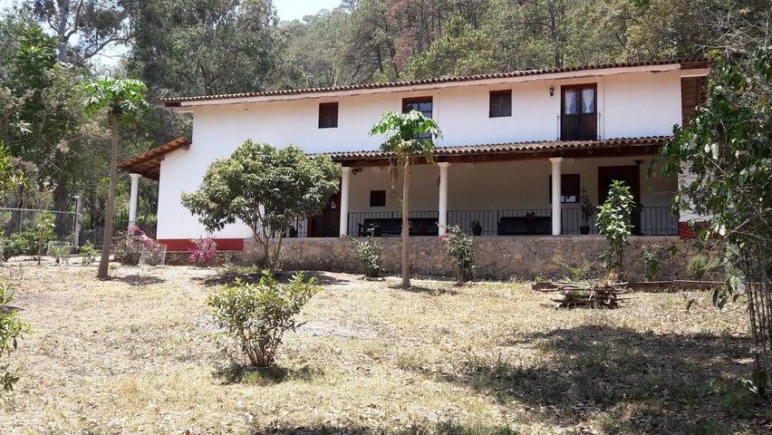 21 Calle Zaragoza, Casa Cachito de Cielo, Sierra Madre Jalisco, JA