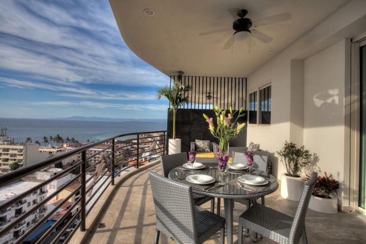 180 Pulpito 206, Signature by Pinnacle, Puerto Vallarta, JA