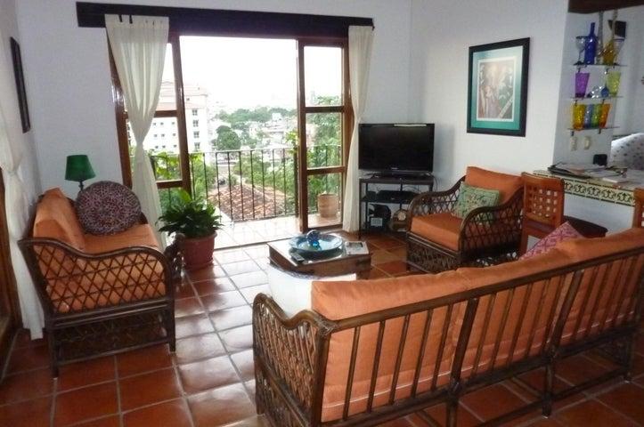 203 Francisca Rodriguez AMAZONA 3, Selva Romantica, Puerto Vallarta, JA