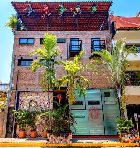 322 Venustiano Carranza, Casa Piñata, Puerto Vallarta, JA
