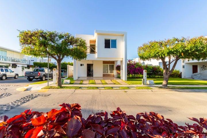 114 Arrecife Yuyum, Casa en Las Moras, Puerto Vallarta, JA