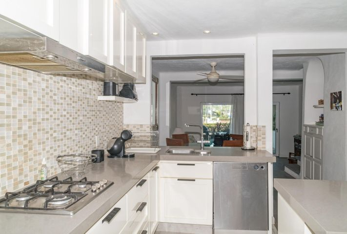 Completely remodeled kitchen...very nice!!