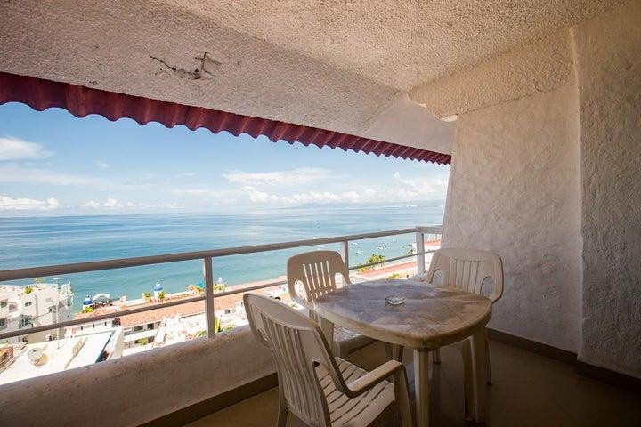 325 Amapas 802, Torre Malibu, Puerto Vallarta, JA