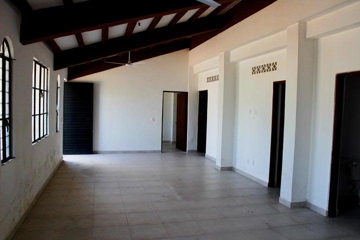 s/n Paseo de Las Palmas Calle M5-38, Casa Flova, Puerto Vallarta, JA