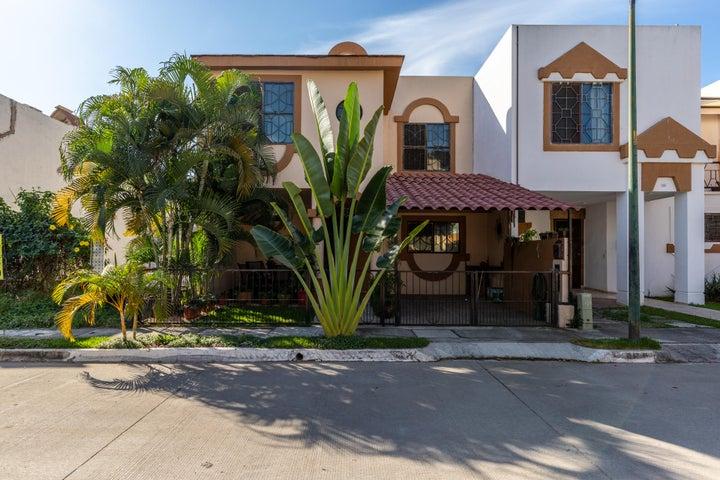 111 Eduardo Seguin, Casa Loretta, Puerto Vallarta, JA