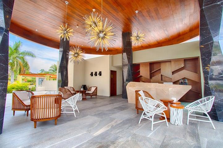 QUADRANT, Luxury Ocean Living 1102