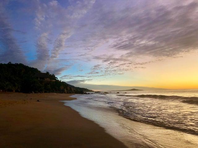 Playa Carricitos Estates