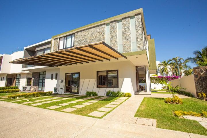 WELCOME to your next home/ BIENVENIDO a tu próximo hogar