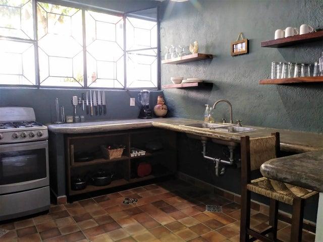 San Pancho Guesthouse & Lofts