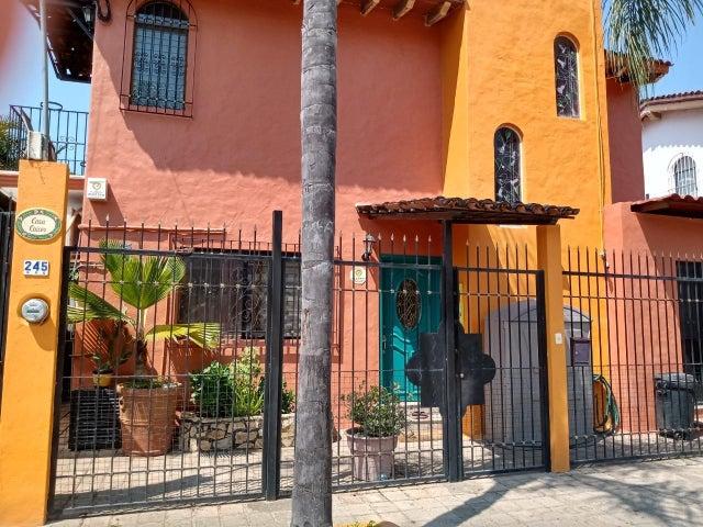 245 Cenzontle, Casa Kangaroo, Puerto Vallarta, JA
