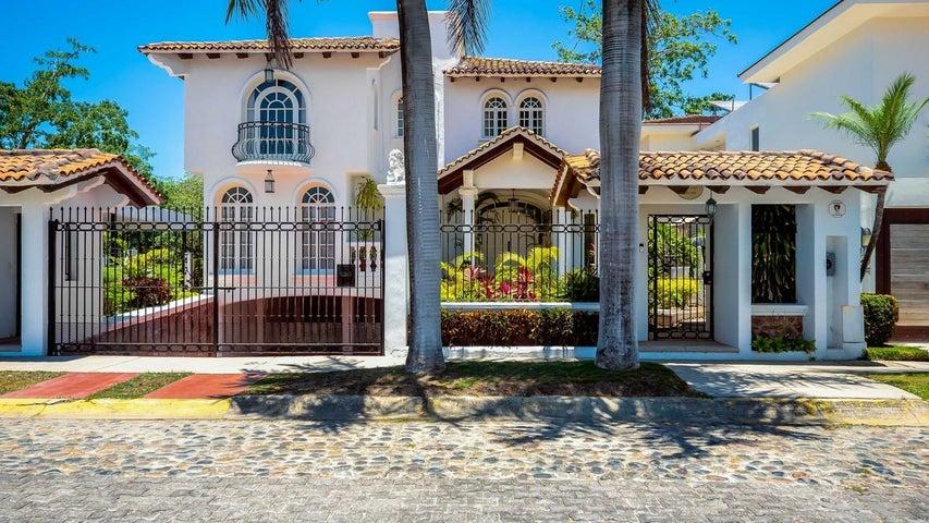Casa Blanca and Lot 5 6