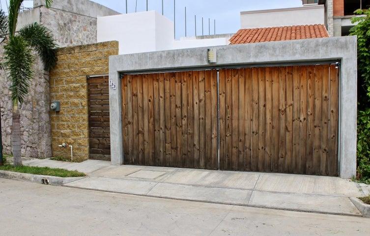 153 Pierre Faure, Casa Montessori, Puerto Vallarta, JA