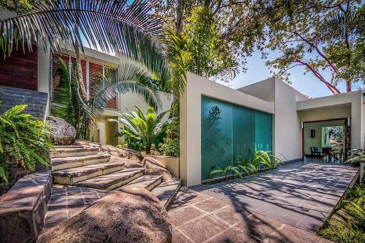 Casa Moderna - Coldwell Banker La Costa