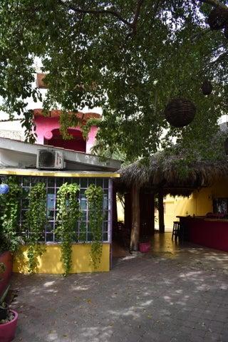 14 Nuevo Corral Del Risco 14, Rosa Mexicano