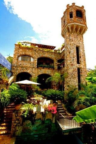 676 Guadalupe Sanchez, Casa De La Torre