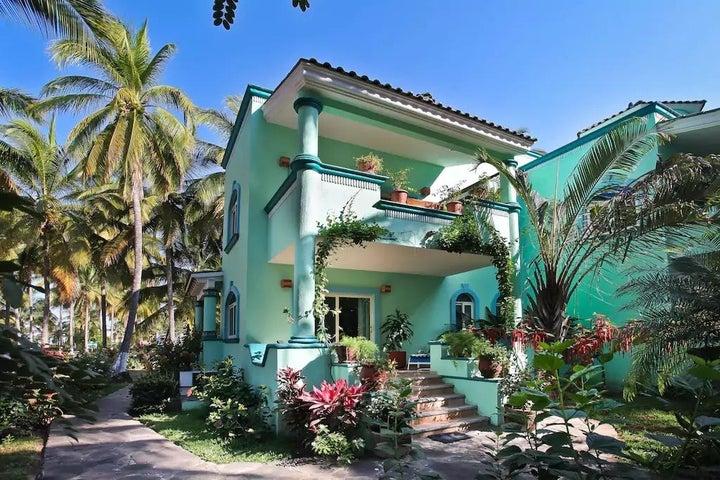 29b Las Palmeras, Casa Maria