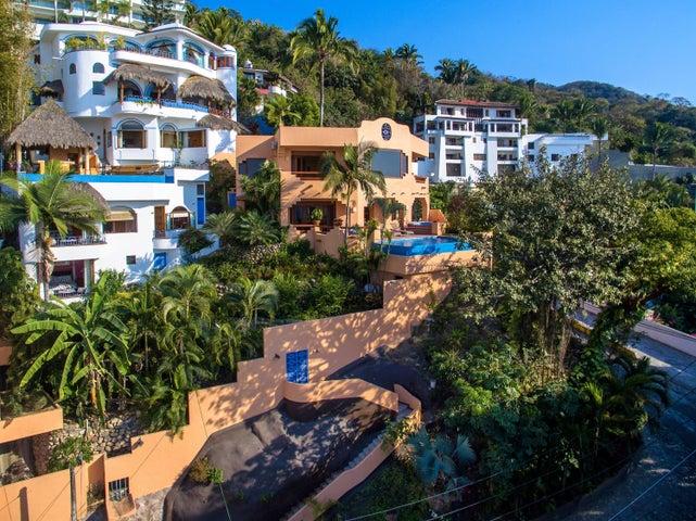 243 Gardenias, Villa Forte & Casa Mia