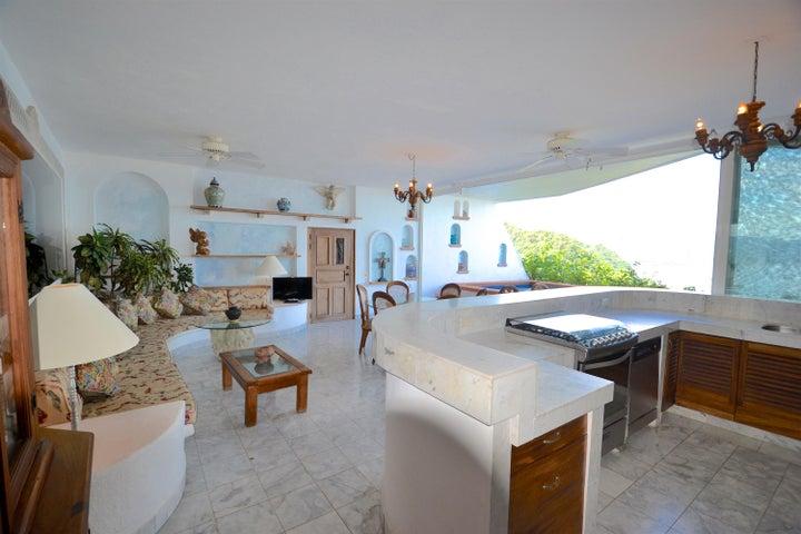 112 Paseo De Los Corales 4, Marlinda Villas