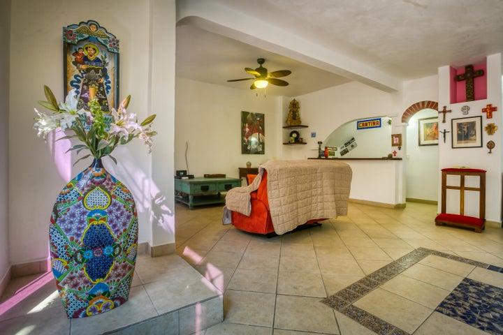 31 Calle Playa Destiladeras, Casa Parota