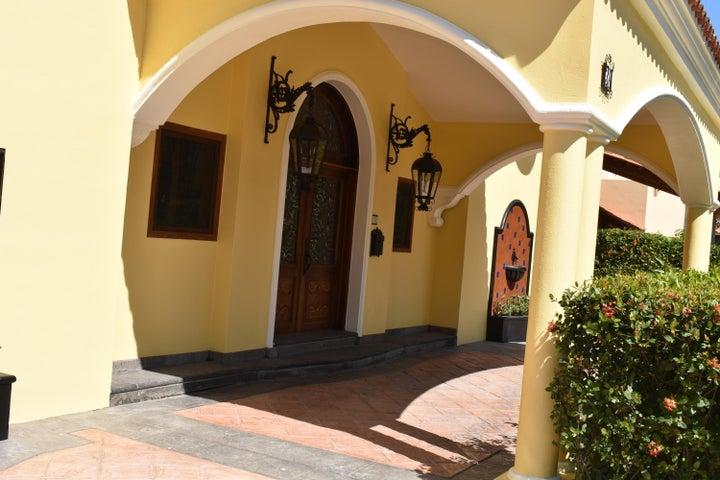 38 Jaguares, Casa De Los Sueños