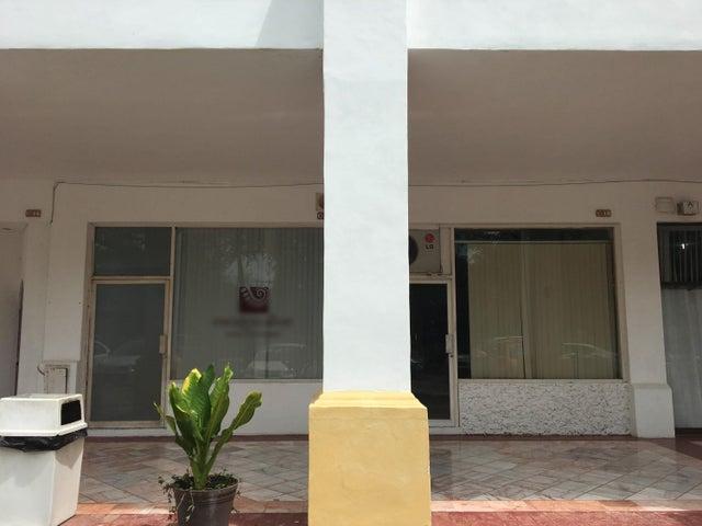 S/n Blvd Francisco Medina Ascencio C12, Plaza Marina Local C12