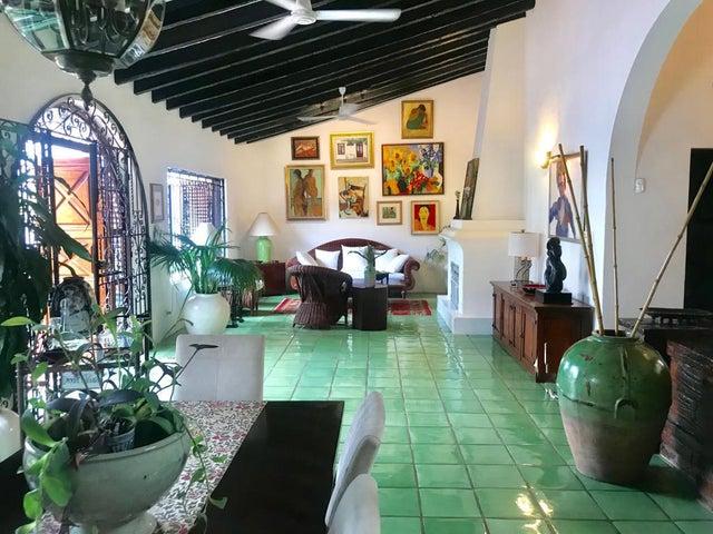 634 Cuauhtemoc, Casa Cuale