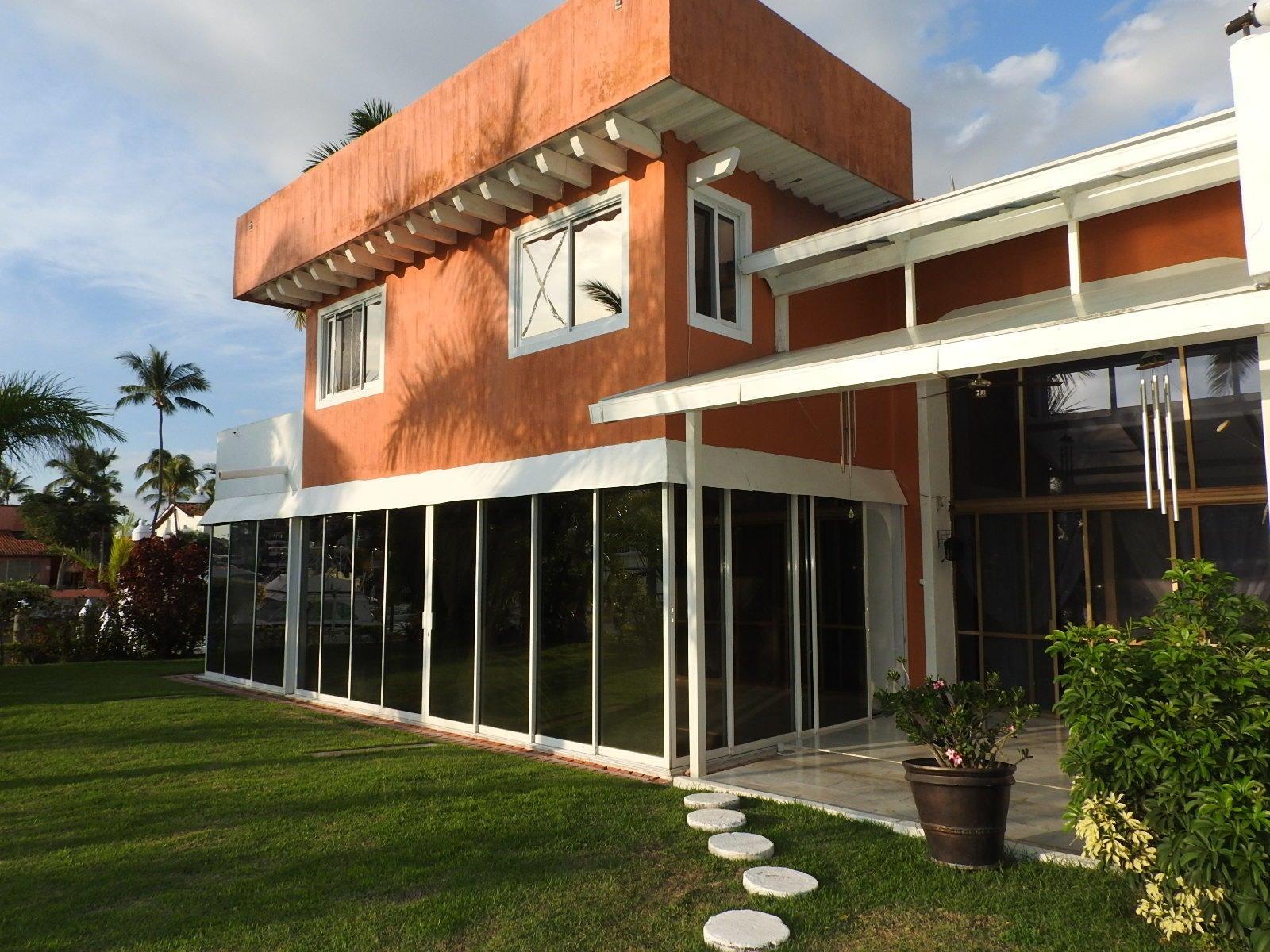 Km 4.5 Blvd. Francisco Medina Ascenci Villa V, Isla Iguana