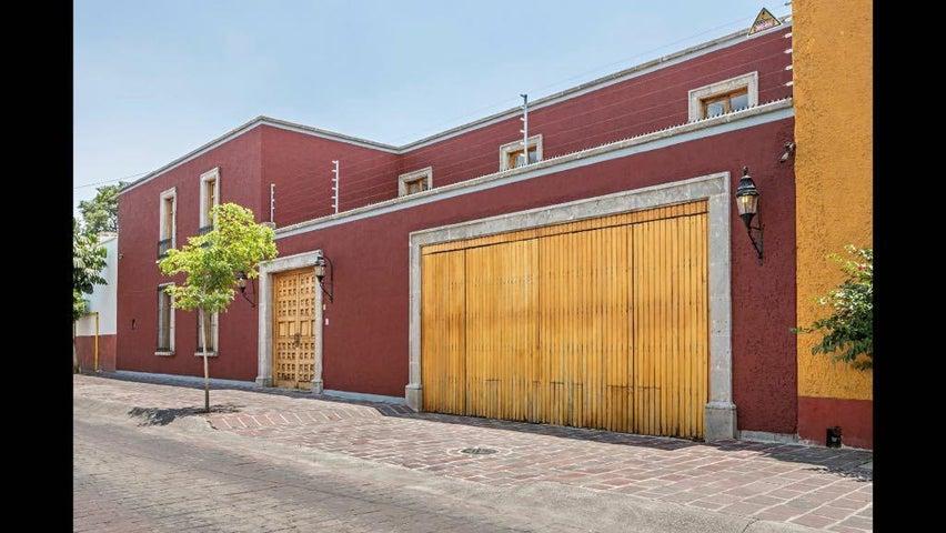 81 Prisciliano Sanchez, Casa Tlaquepaque