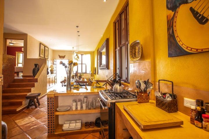 426 Francisca Rodriguez, Villa Colibri