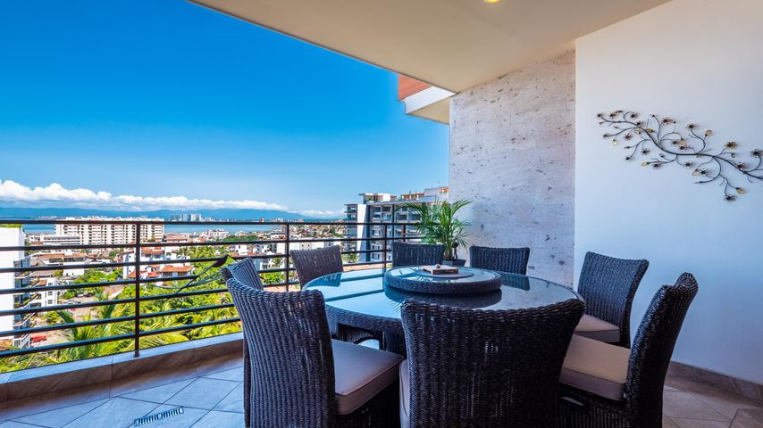 220 Pulpito 403, Pinnacle Residences