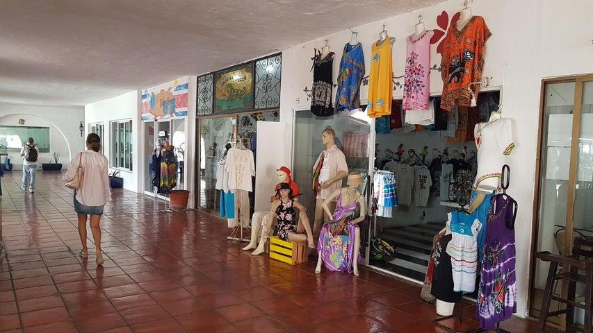 245 Paseo De La Marina 119, Royal Local Comercial