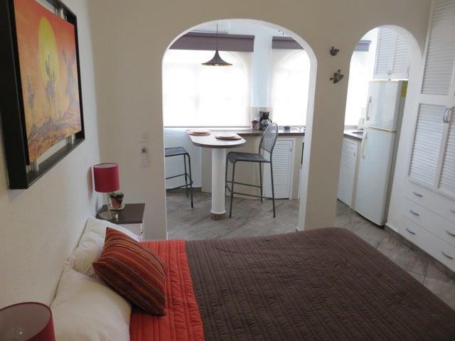 486 Manuel Dieguez 2, Studio Iryna