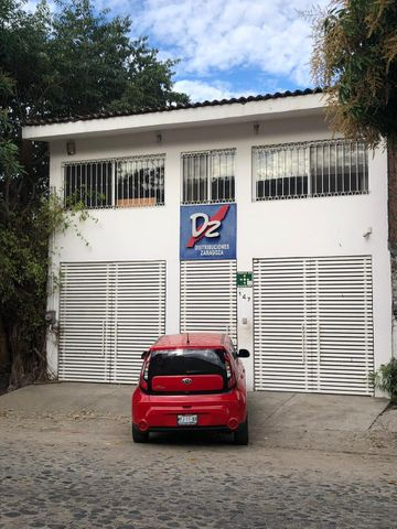147 Rafael Ozuna 147, Edificio Comercial Versalles